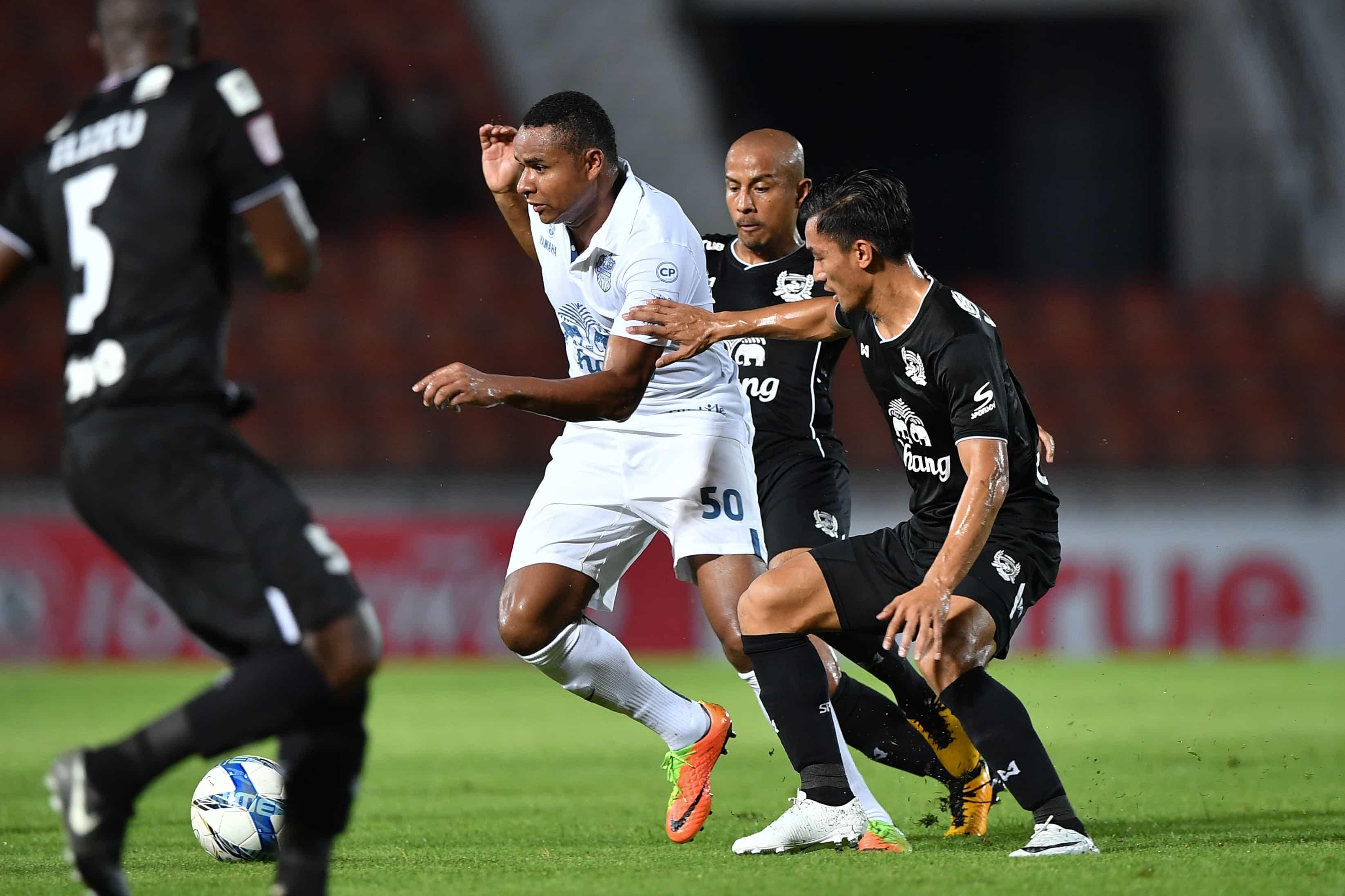 บุรีรัมย์อัดสุพรรณบุรี1-0ขอเดียวเเต้มถึงเเชมป์ไทยลีก